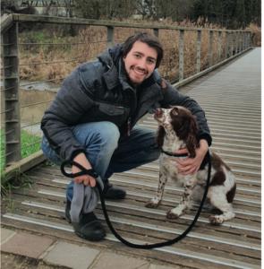 Julien avec un chien